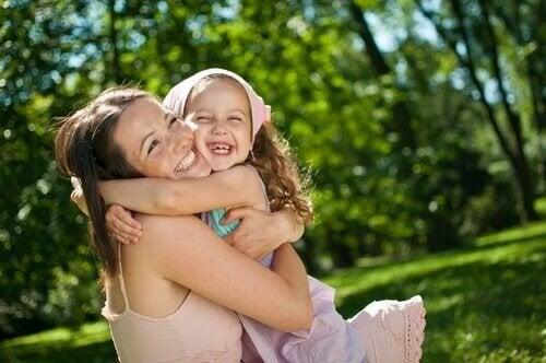 Brief an mein Kindermächen - Kindermädchen mit Kind