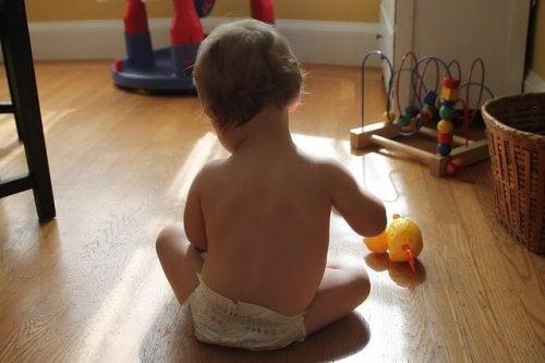 Ipads und Smartphones - Baby spielt