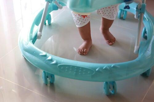 Lauflernhilfe - schädlich für die ersten Schritte des Babys?
