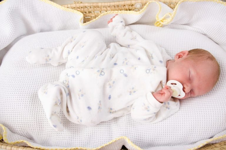 Was ist die beste Schlafposition für Babys?
