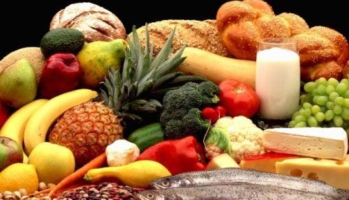 Orientierung an der Lebensmittelpyramide für eine gesunde Ernährung in der Schwangerschaft
