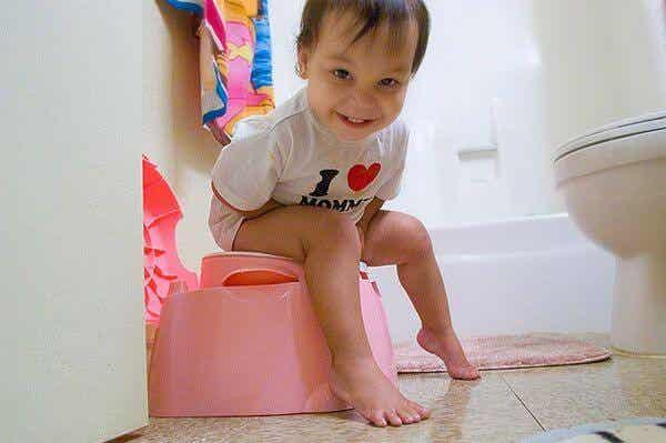 Windelentwöhnung: Wie man dem Kind beibringt, auf die Toilette zu gehen