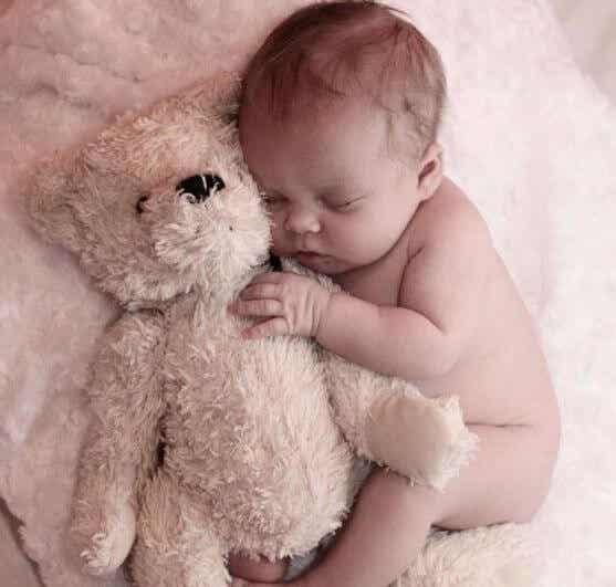 Liebe Mama - Brief eines Babys, das seine Mutter nachts aufweckt