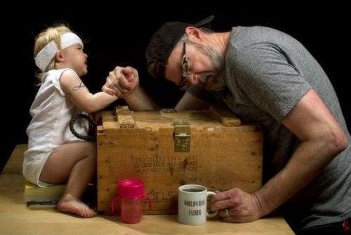 Nutze die magische Vater-Tochter-Beziehung, um das Selbstwertgefühl deiner Tochter zu stärken.