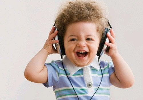 Lied. das Babys zum Lachen bringt