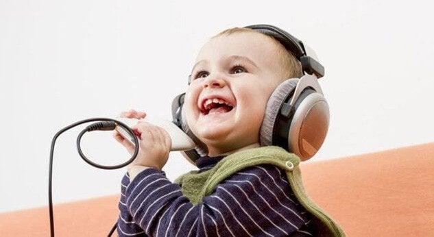 Lied, das Babys zum Lachen bringt