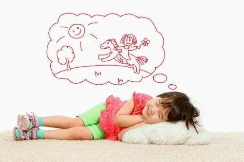 Kinder spät ins Bett bringen träumen