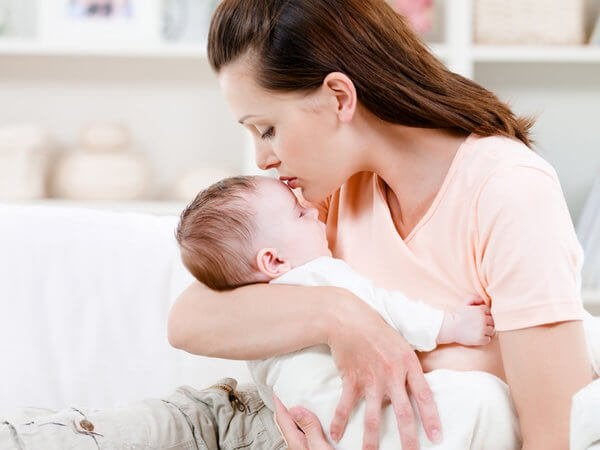 Dein Baby ist in deinen Armen zu Hause