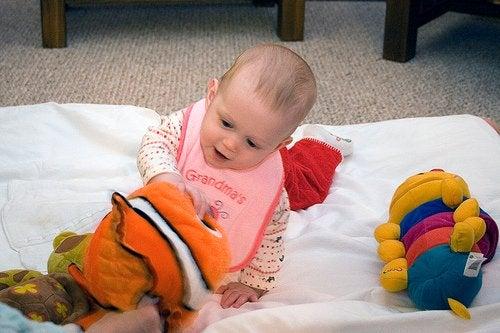 Babys lernen spielerisch
