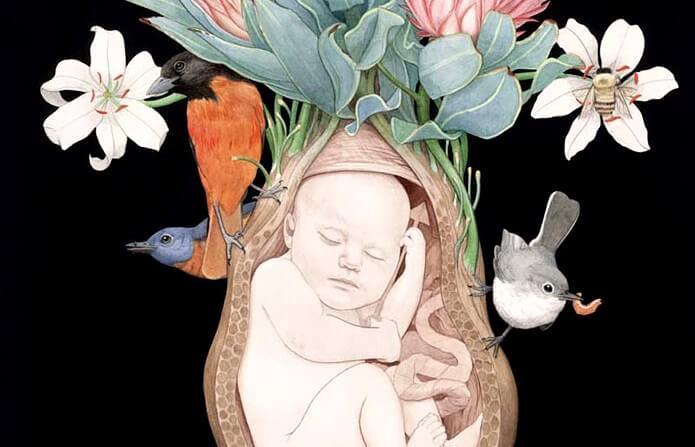Mutter erwartet Regenbogenbaby