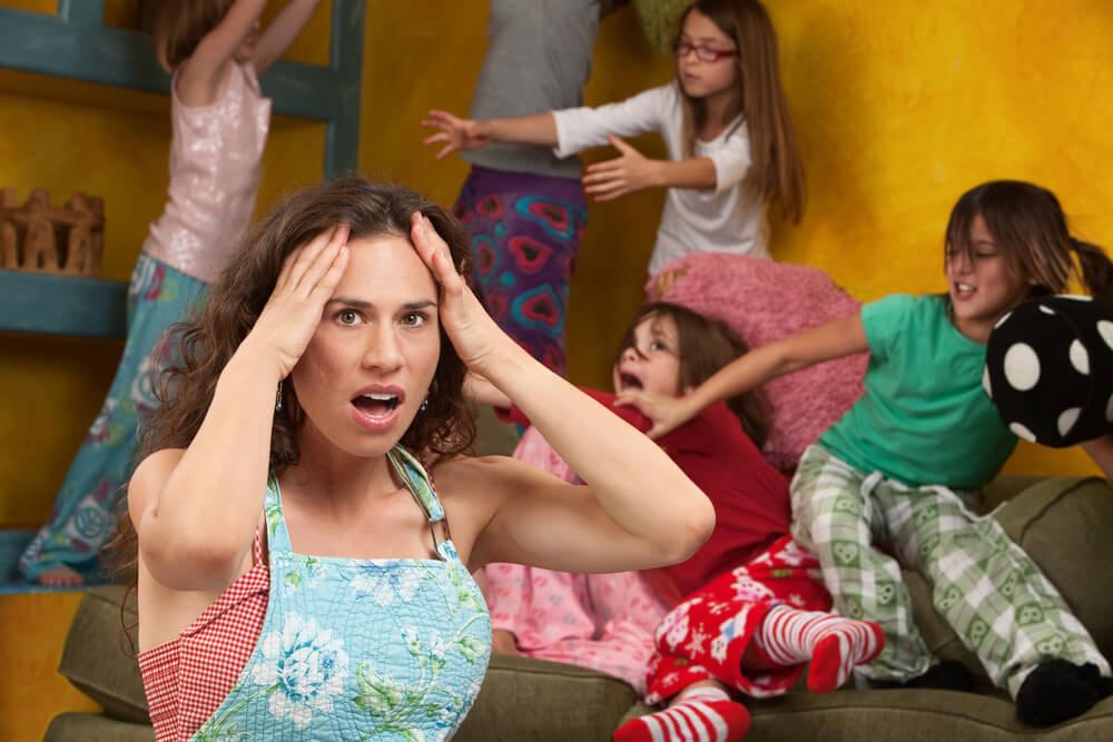 Warum benehmen sich Kinder schlecht bei Mama
