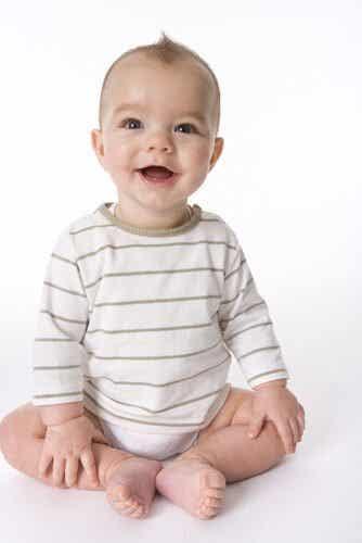 Bringe deinem Baby bei, zu sitzen