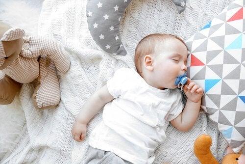 durchzuschlafen - baby-zum-durchschlafen-bringen