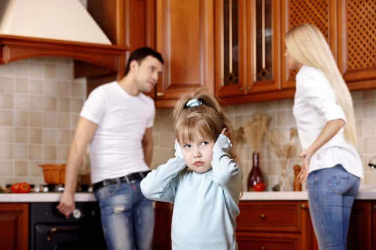 Schlechte Laune der Eltern kann die emotionale Entwicklung des Kindes beeinflussen