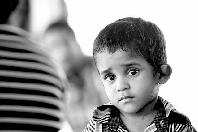 Kindesmissbrauch - trauriger-junge