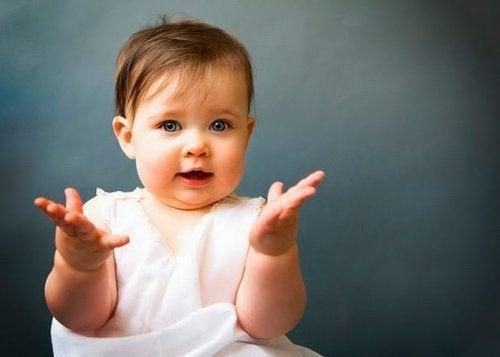 Kommuniziere mit deinem Baby durch Gesten