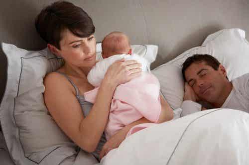 Was kann ich tun, wenn mein Baby nachts aufwacht?