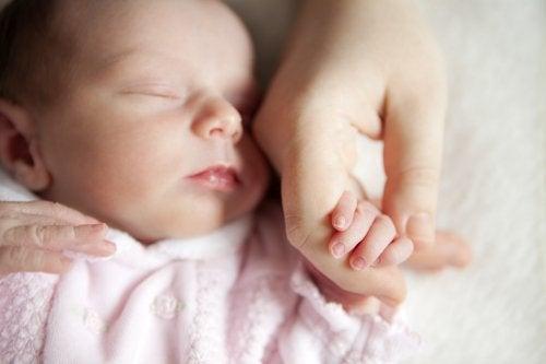 Händewaschen im Umgang mit Babys