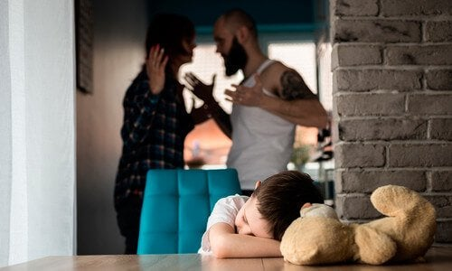 Die Folgen von Kindesmissbrauch wirken sich auf die Entwicklung aus