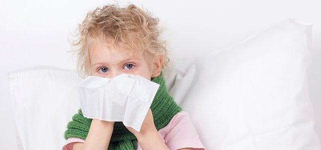 Eine verstopfte Nase bei Kindern kann Symptom einer Infektion sein