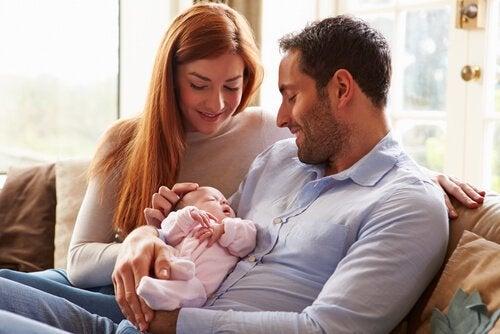 Der erste Monat im Leben deines Babys