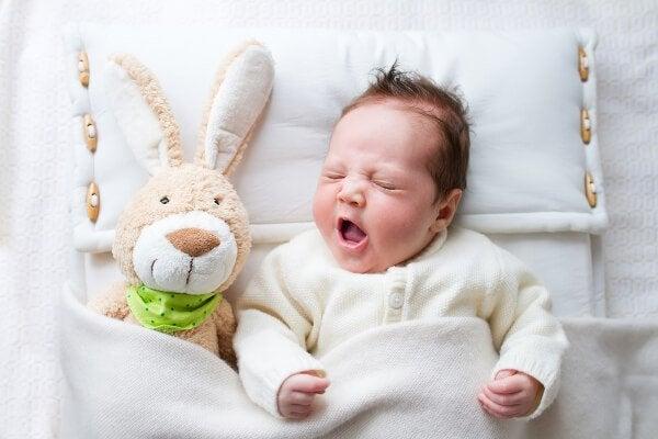 6 Fehler bei der Nachtruhe, die junge Eltern häufig machen