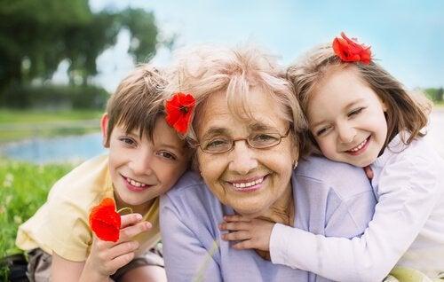 Oma mit Enkeln