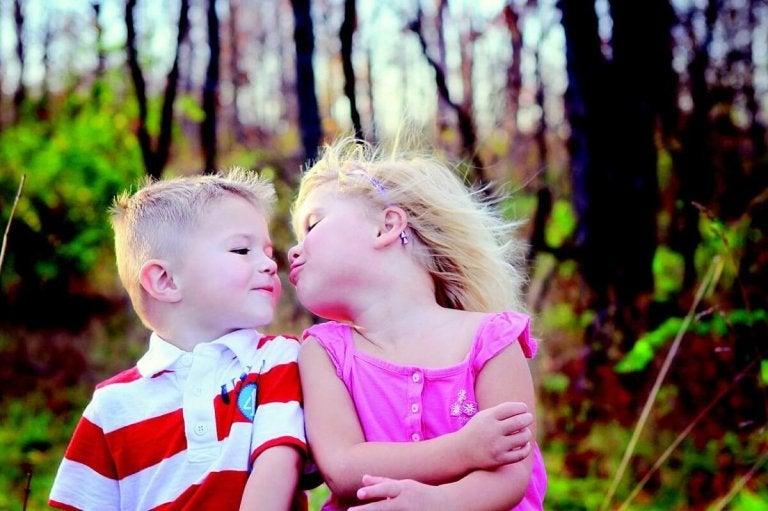 Wir sollten Kinder nicht zwingen Küsse zu geben!