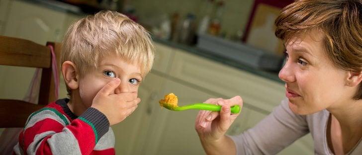 Kind nicht zum Essen zwingen weil es schädlich ist