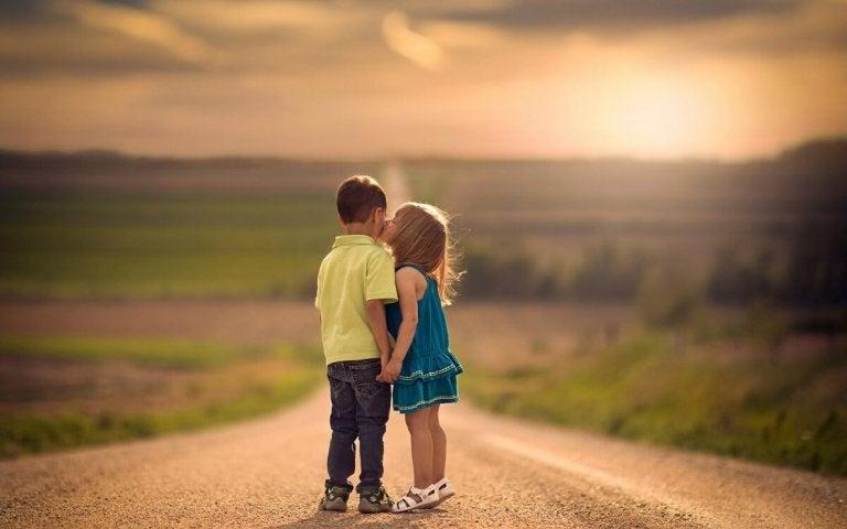 Kinder nicht zwingen Küsse zu geben