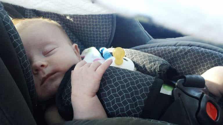 Tipps: Mit Neugeborenen reisen, was du beachten solltest