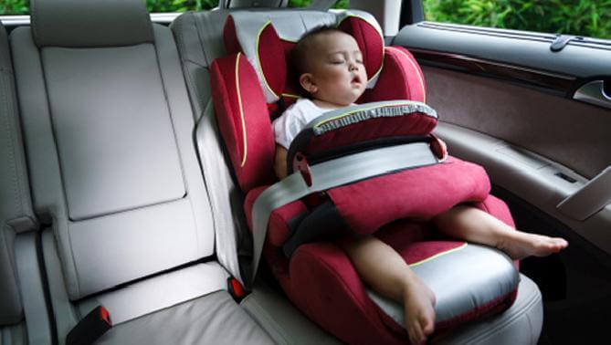 sicherheitsmaßnahmen wenn mit neugeborenen reisen