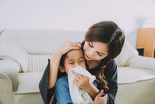 Pfeifferisches Drüsenfieber bei Kindern mit Rachenschmerzen