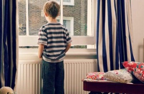Schlüsselkinder: Kinder, die alleine zu Hause sind