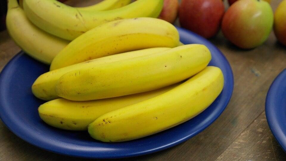 Die Banane liefert sehr viele wichtige Nährstoffe. 4 leckere Rezepte für dein Kind.