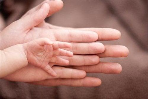 Geburt eines Mädchens weniger schmerzhaft