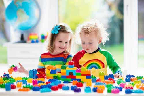 So fördern Konstruktionsspiele für Kinder die Entwicklung