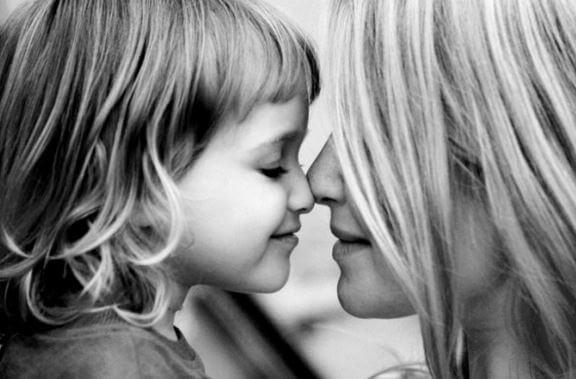 Muttersein: die Bindung zwischen Mutter und Kind