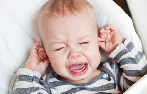 Ohrentzündungen bei Babys verhindern