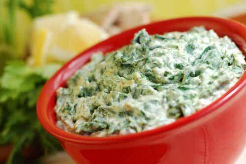 4 schmackhafte Rezepte mit Spinat für Kinder