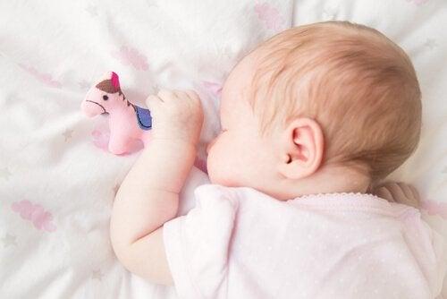 Schnarchen bei Kindern schlafend