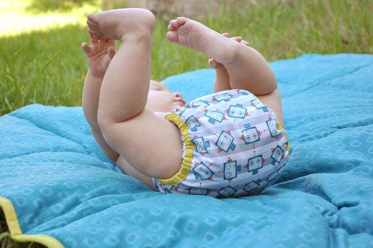 Madenwurm - Baby-Windel-mit-Madenwurm