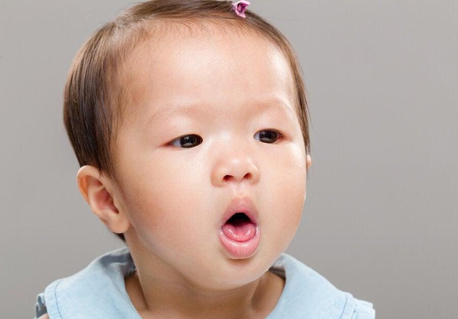 Was tun, wenn sich dein Baby verschluckt?