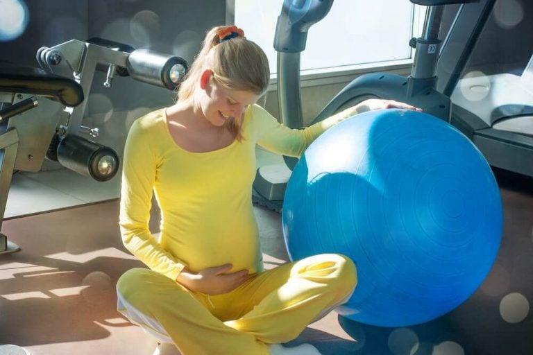 6 Einfache Beckenbodenübungen für Schwangere