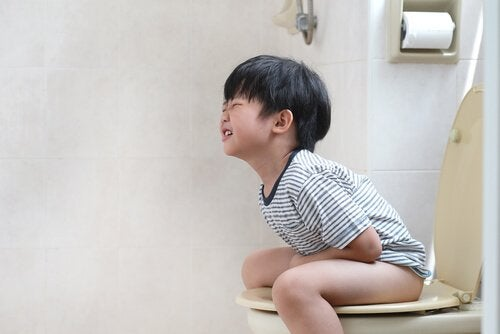 eine Blinddarmentzündung bei Kindern erkennen