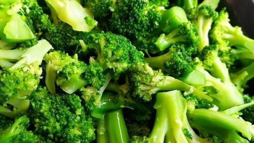 Brokkoli kann ein wichtiger Lieferant von Folsäure in der Schwangerschaft sein.