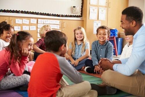 Klassenzimmer nach der Montessori-Methode gestalten