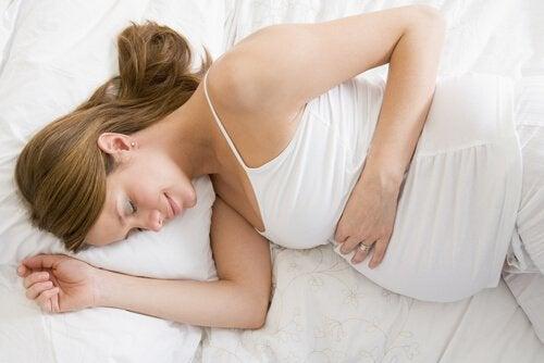5 Schlafpositionen während der Schwangerschaft