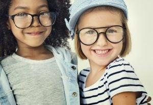 Trendige Mädchennamen Brillen