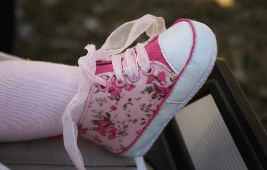 Barfußgehen bei Kindern sollte eine Selbstverständlichkeit sein aber nicht übertrieben werden.